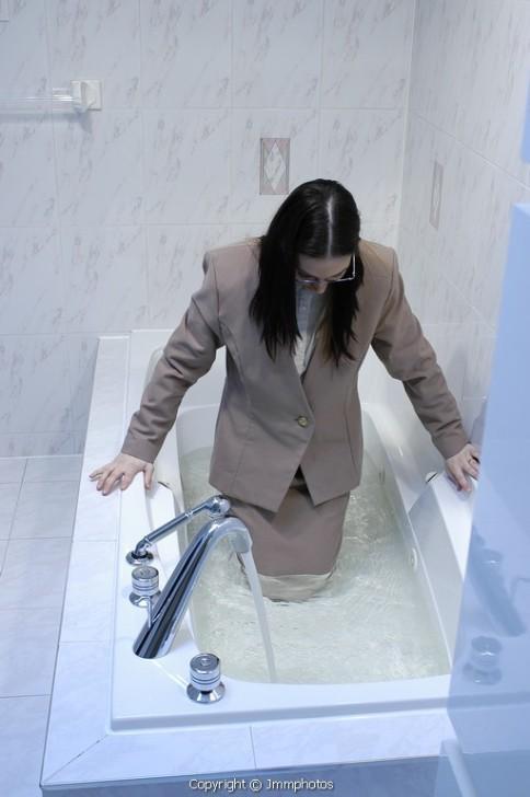 tizenévesek szex a zuhany alatt ázsiai orgia cső