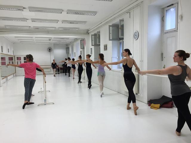 Felnőtt balett spicc óra Budapesten a Miami Balett Balettiskolában