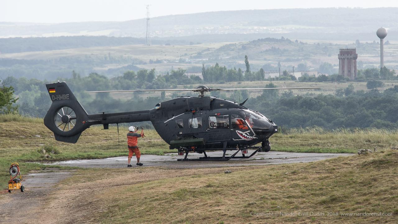 Puma svéd helikopter szopás