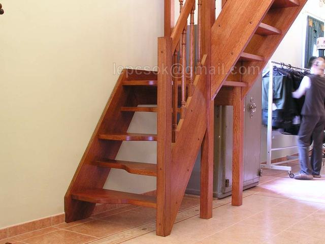Elrontott lépcsők - Index Fórum