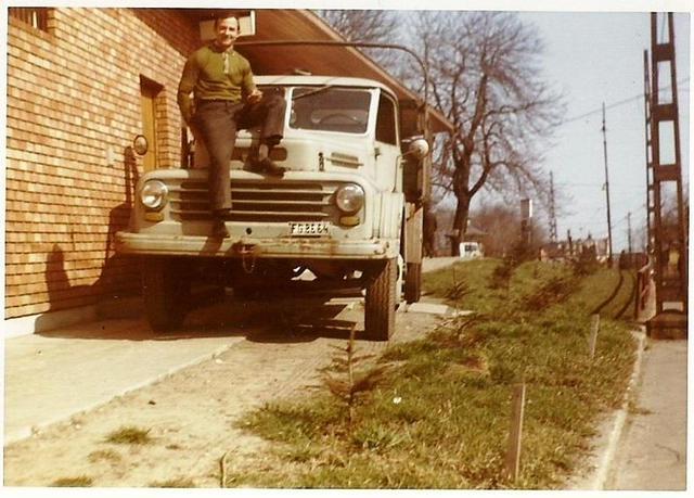 randi vintage atlasz konzervdobozok acme társkereső szolgáltatás telefonszáma