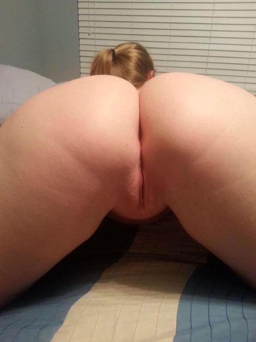Big ass girl self fisting her ass - 1 part 5