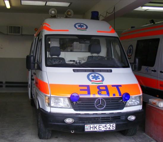 országos mentőszolgálat dzseki hátulról
