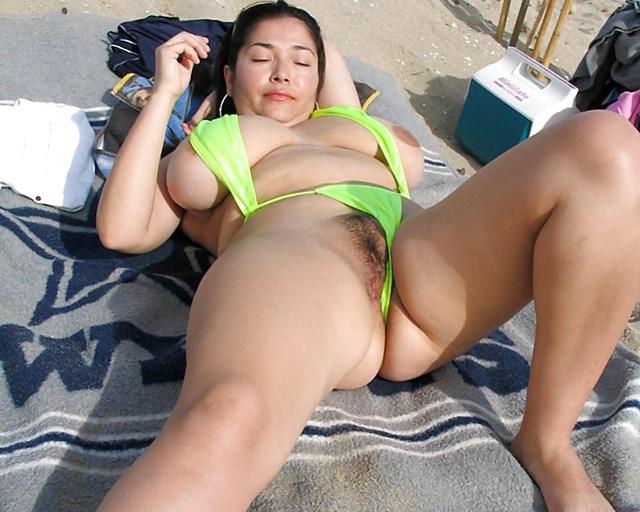 Chubby nudist girl