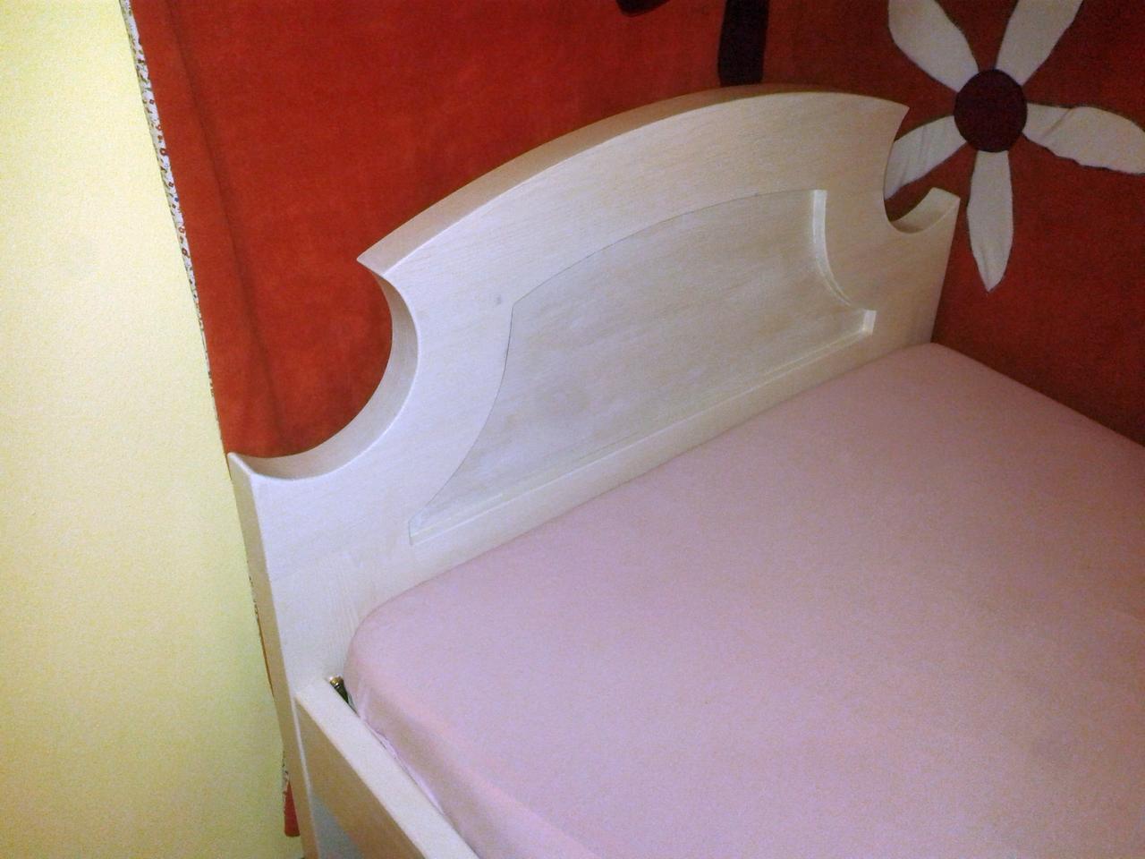 Megkímélt régi bordó székek szinte ingyen elvihetők!, Szalon