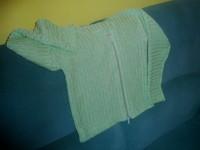 zöld pulcsi