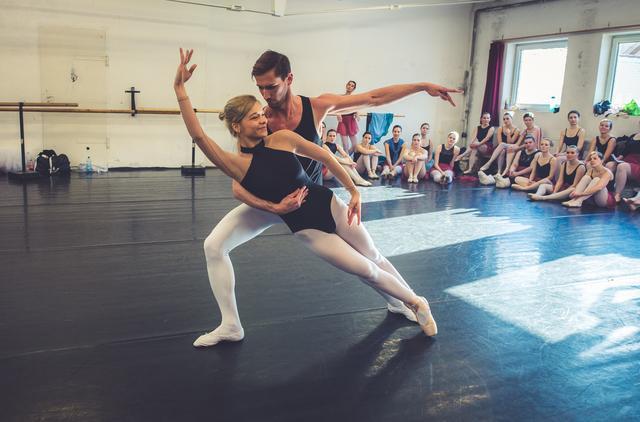 Felnőtt balett Budapest, balettiskola, balett oktatás a belvárosban