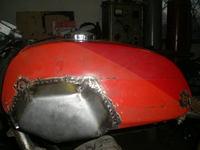 Elkészült a tankra az esztétikai tuning.(Ducati sport 1000) 74d544c195