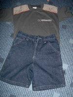 0c699cac27 Szürke póló mellé találtam egy rövidgatyót, kb akkora méretben. Így néznek  ki ők ketten, áruk együtt 650 Ft ...